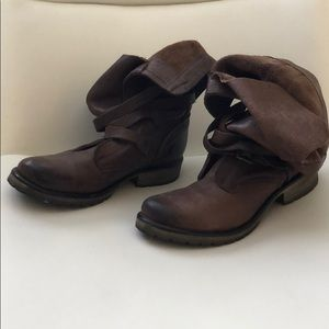 Steve Madden Brown Combat boots. Size 8.5